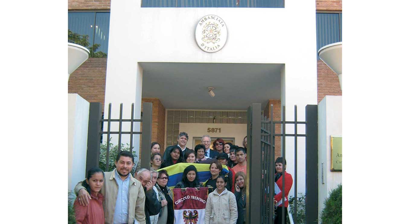 Con altri circoli Trentini del Paraguay visita all'Ambasciata d'Italia ad Asuncion