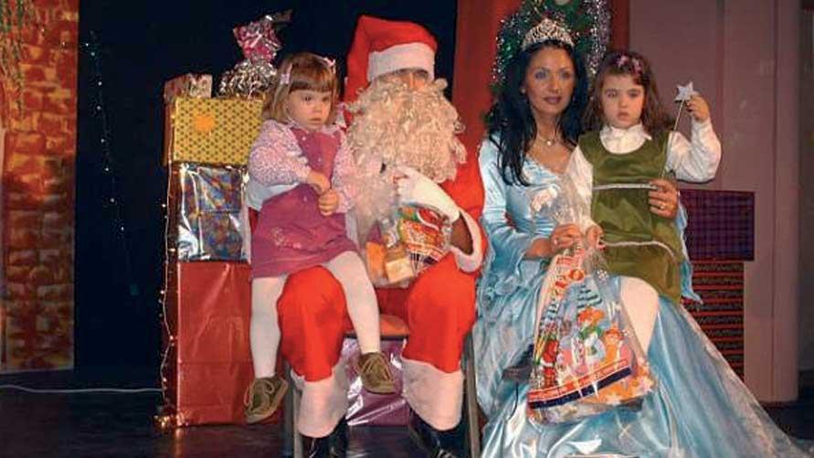 2006 - Babbo Natale e la Fata portano i doni ai bambini